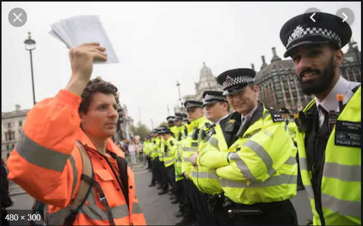 Sadiq Khan responsible for converting Britain as a colony of Pakistan: Police is kept busy in managing different small protests while whole London is left at the mercy of Pakistani Muslim Criminals