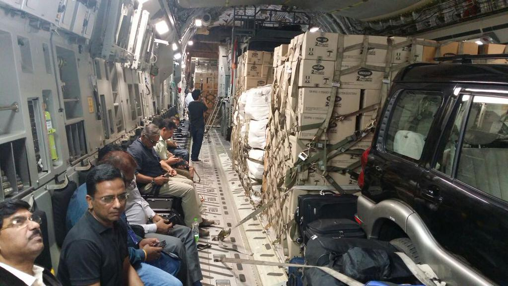 Forgotten Good Work of India: Over 100 tonnes of food packets and hundreds of large oxygen cylinders were moved to disaster-struck Nepal in 2015
