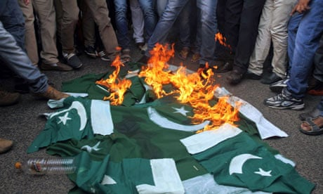 Sindh demands complete and absolute freedom from Pakistan: Civilians in Pakistan occupied Sindh burning flag of Pakistan