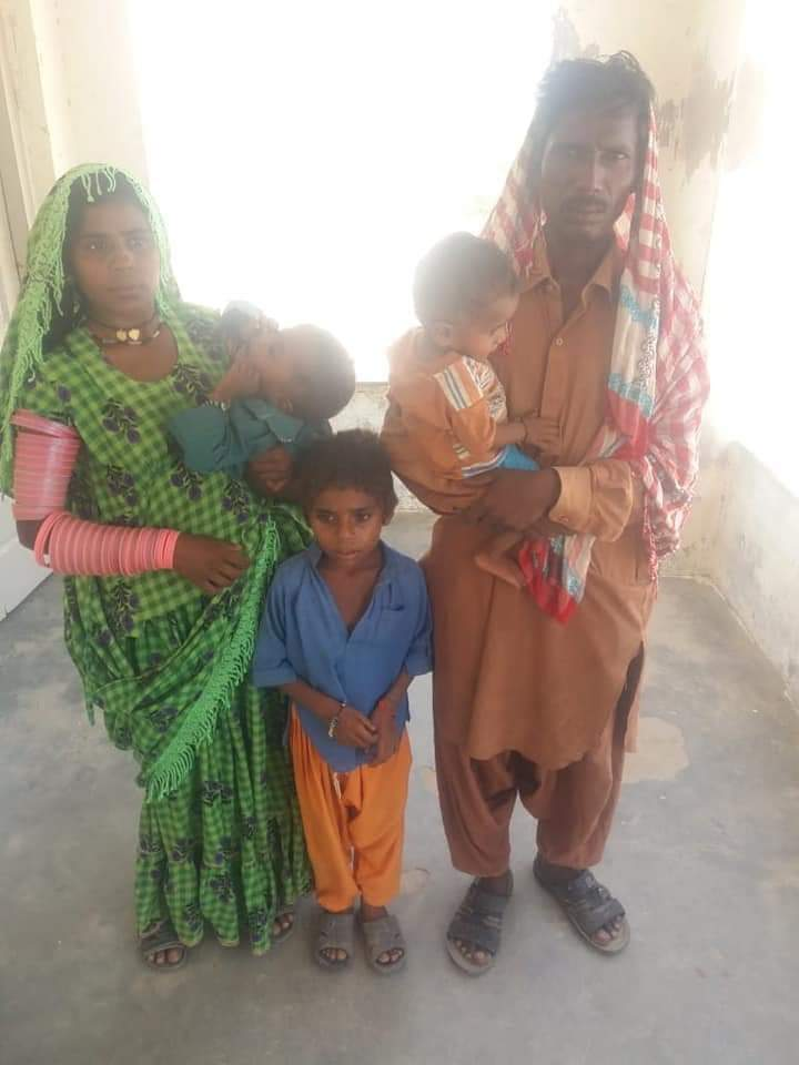 Christians And Hindus are Forcefully Converted to Islam in Pakistan: A Hindu, Chetan Kohli along with his wife & 3 kids is converted to Islam in Nabisar, Umarkot, Sindh-Pakistan as Corona lockdown was so hard for non-muslims. No enough food, nor access to water as infidels are considered filthy & untouchable. They could be killed for touching water.