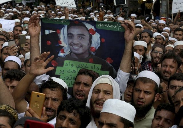 Pakistan Glorifies the Murderer of A US Citizen Who Was Shot Dead Inside A Courtroom in Pakistan During His Trial For Blasphemy