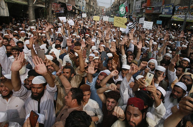 Pakistan Glorifies the Murderer of a 57-year old US Citizen Tahir Naseem who was shot dead inside a courtroom in Pakistan during his trial for Blasphemy