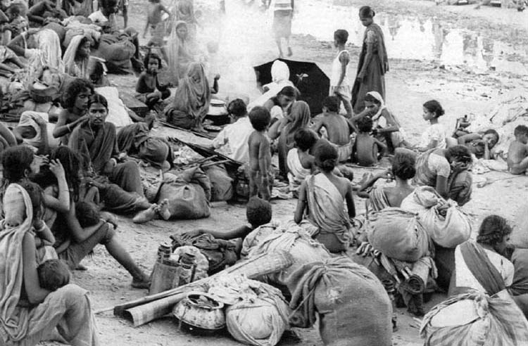 Pakistan A Garrison State - In 1971, four hundred thousand Bengali women were raped by Pakistan army