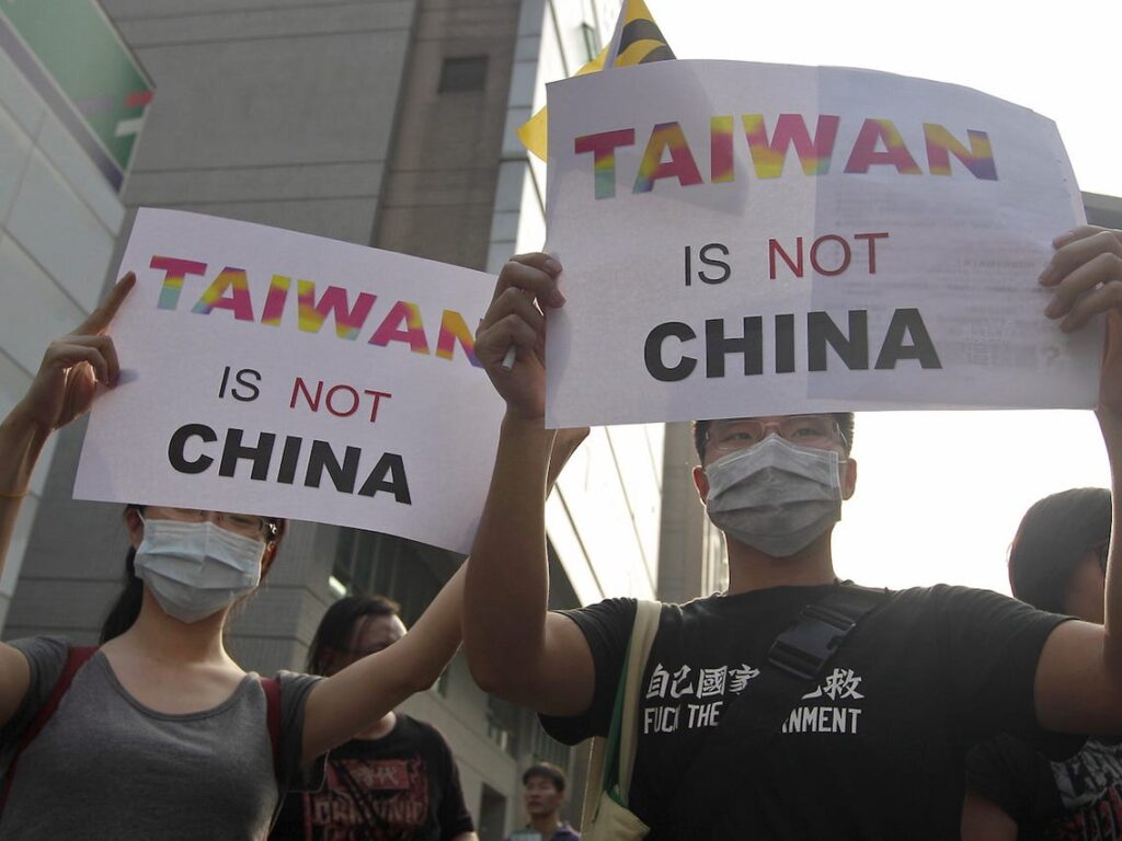 """Taiwan has not been a part of China"" Says Mike Pompeo : Angered China Threatens to Strike Back"