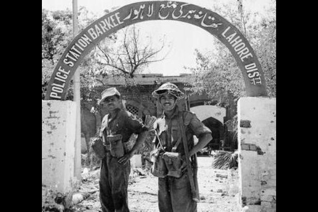 Baloch, Pashtun Struggle Similar To 1971 Bangladesh Separation From Pakistan : Image of 1965 War. Indian Soldiers posing in front of a Police Station in Lahore