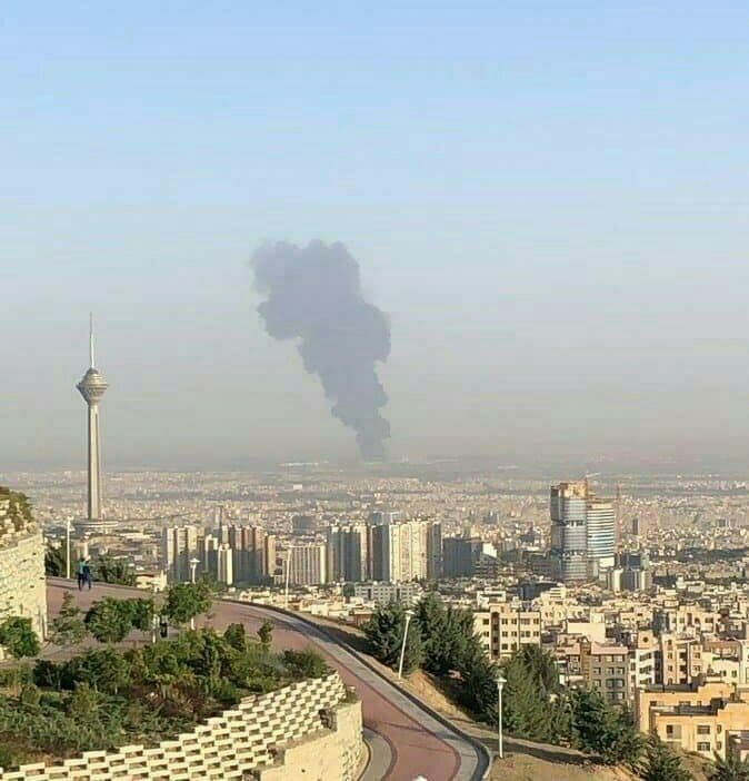 Massive fire broke out at oil refinery in the southern part of the Iranian capital Tehran  | NewsComWorld.com