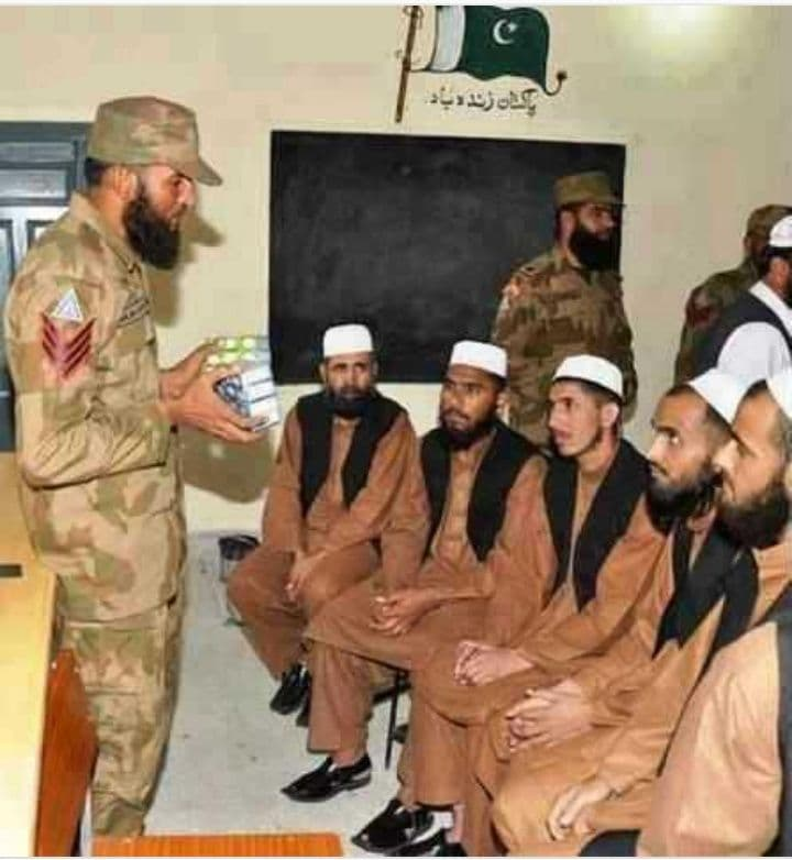 War Between Afghan Security Forces And Pakistan Army's Taliban Units enters Critical Phase - Pakistan Army training its Taliban Units | NewsComWorld.com
