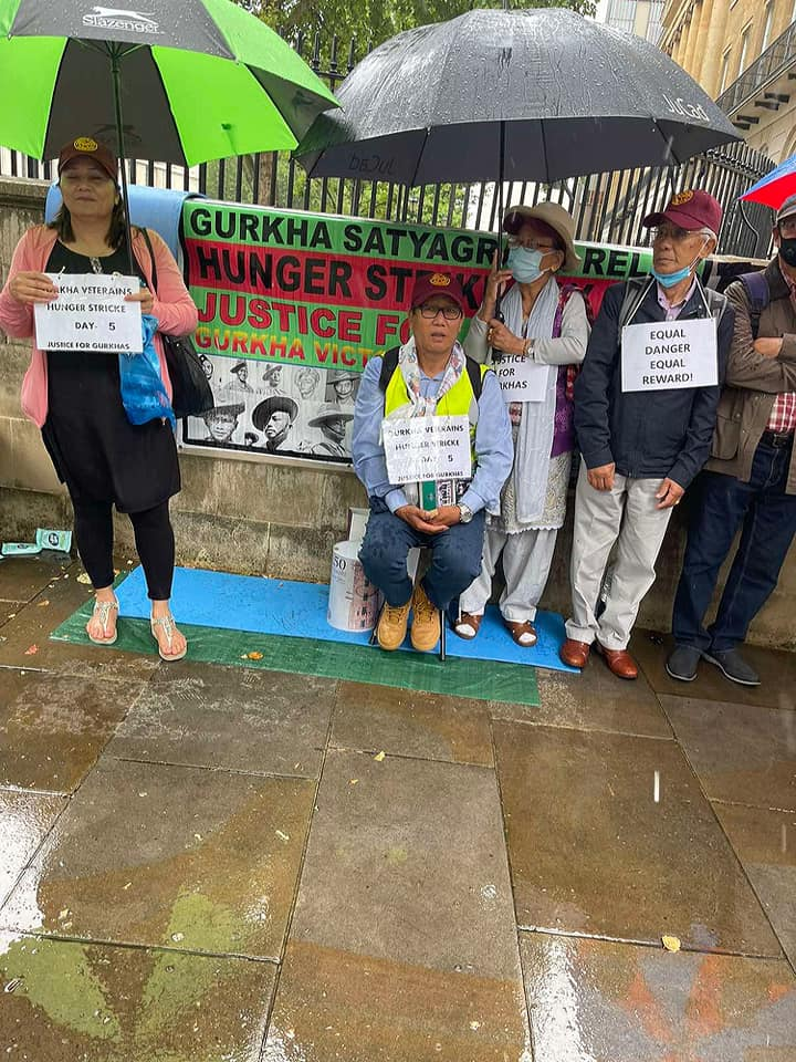 Former British Gurkha Veterans Sit On Relay Hunger Strike In London On Demands For Compensation And Pension Parity   NewsComWorld.com